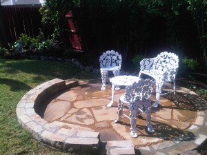 flagstone-patio-retaining-wall
